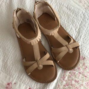 Gap tan fringe sandals